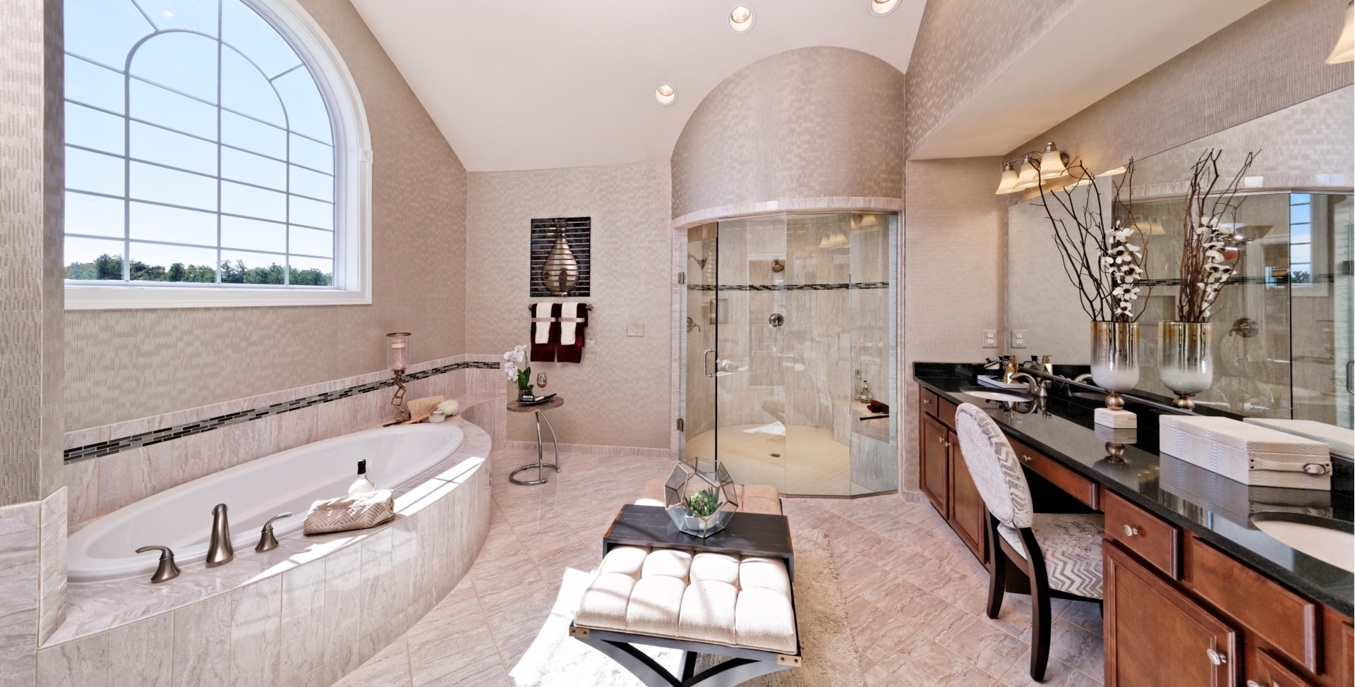 Venezia Model Owner's Suite Spa Bath